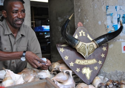 One of the pleasant Tanzanians selling oceanic souvenirs.